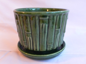 LOvely large green McCoy pottery (with attached tray)