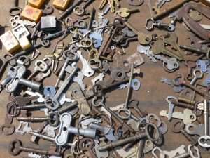 Hodge podge of lost keys - what to make with this??