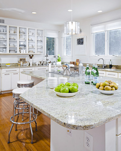 Every kitchen looks amazing dressed in white!