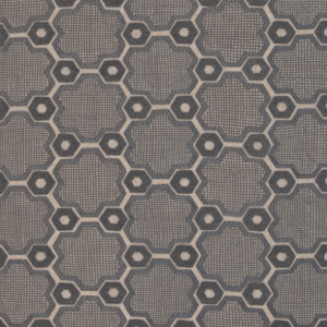 I love the handsome repeating pattern in this Cordoba durrie of 100% silk and cotton warp.