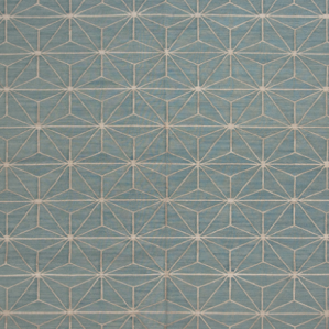 A Linear Star was just created when this 100% silk durrie was born.
