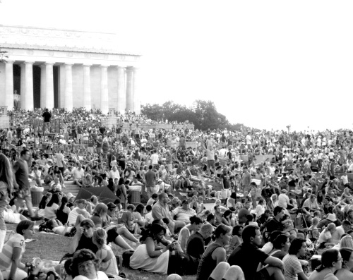 The packed Lincoln Memorial grounds on July 4th.