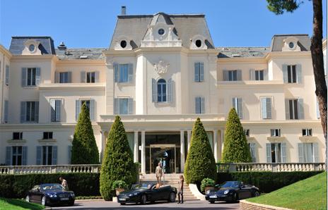 Front facade of the famous Eden Roc.