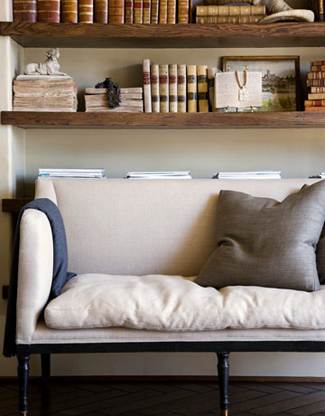 I like the simplicity of this couch - begs to be sprawled out on with a good book!