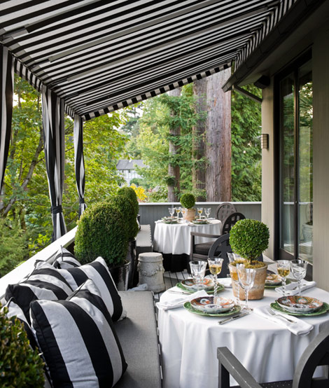 Elegant outdoor dining room black and white
