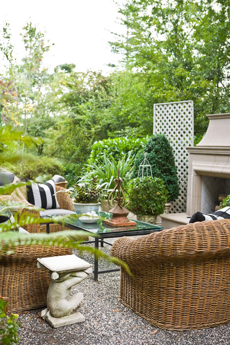 elegant outdoor living room space black and white